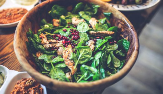 さまざまな料理と相性がよく栄養豊富な野菜「ほうれん草」の豆知識